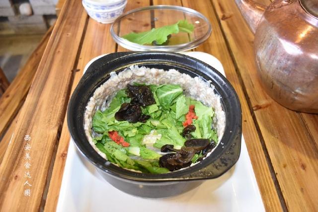 """这道美味的石头做出的美食,它的名字叫做""""白火石汤"""""""