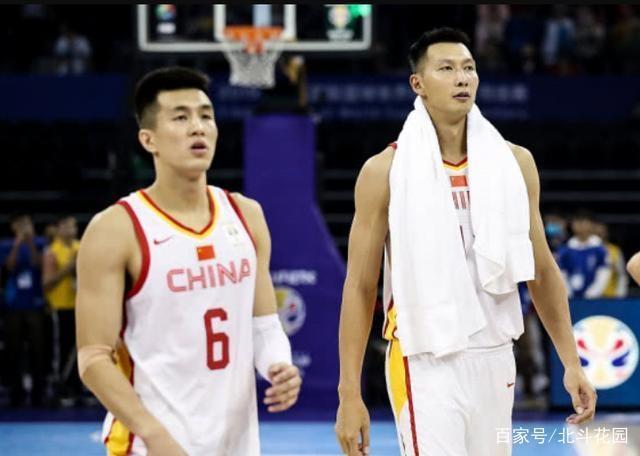看不懂!世预赛中国队名单公布,半数主力缺阵周琦成头牌