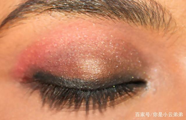 美妆:如何摇滚夏季化妆的趋势
