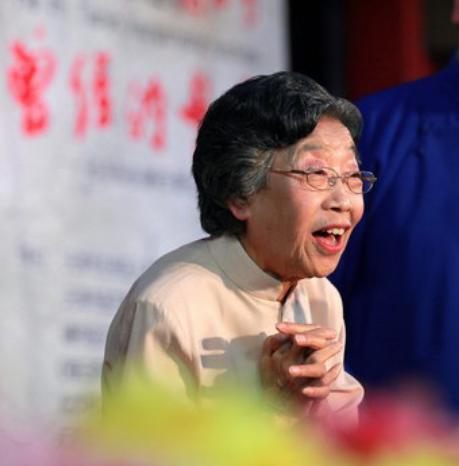 靠柳活,子母哏享誉相声界女先生魏文华仙逝