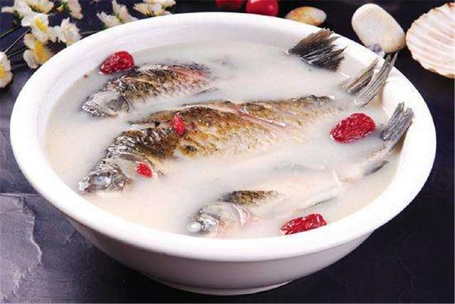 微山湖湖鱼制作