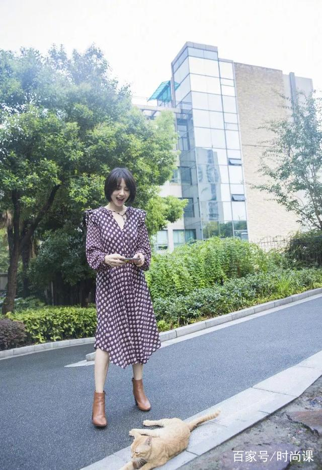 印花裙+外套,6種穿搭穿出高圓圓的女神范!