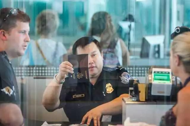中国女生入境美国答错问题 被扣押一个多月