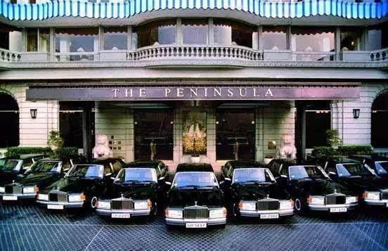 世界三大奢华酒店:连烟灰缸都是镀金的!住客享受直升机接送待遇,一晚最高100万!