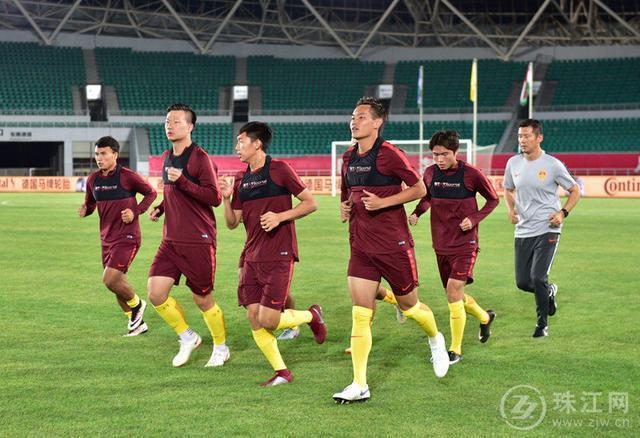 今晚19:35曲靖文体公园 中国U21国家青年足球