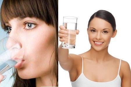 喝水减肥法喝凉水还是热水你知道正确的减肥方-轻博客
