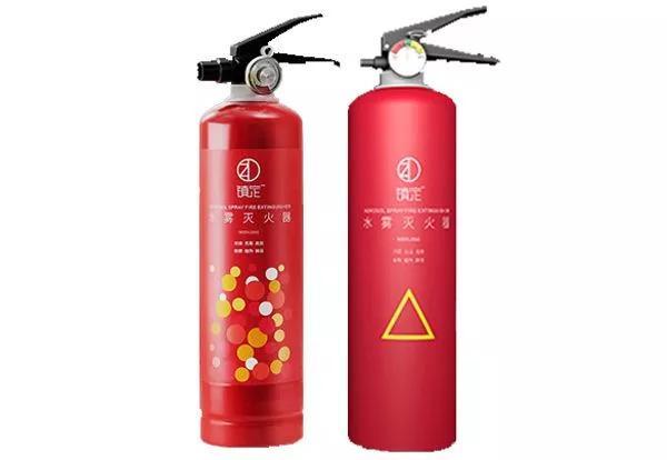 灭火器效能大评测:水基灭火器和干粉灭火器哪个更适合车载和家用