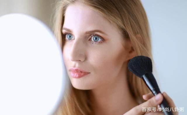 美妆:几个简单的化妆技巧