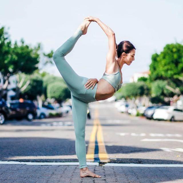 瑜伽体式详解(三十一):浪漫的空中瑜伽,瘦腰-轻博客