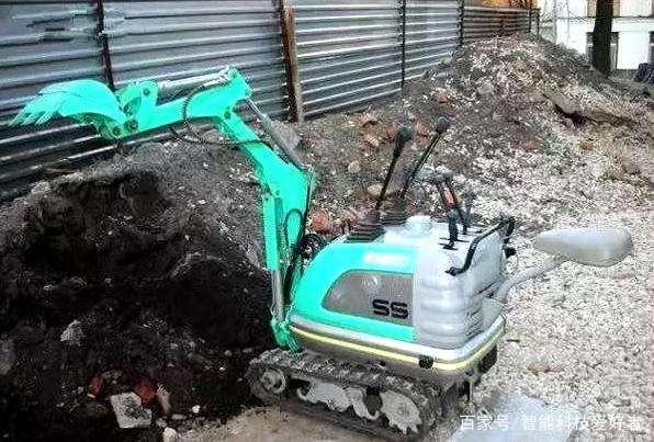 世界上最小的挖掘机