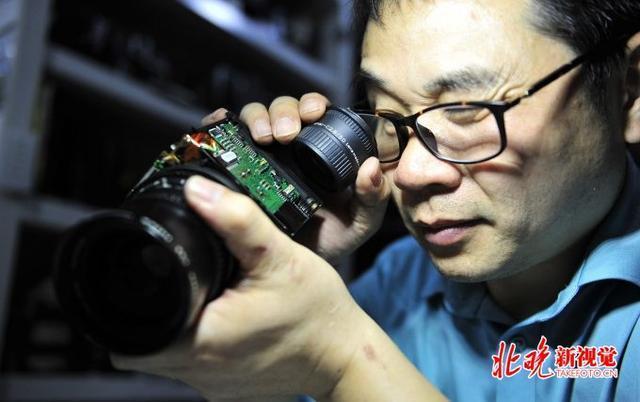 """五棵松摄影器材婚纱_百岁相机""""起死回生"""",北京五棵松摄影器材城有高手"""