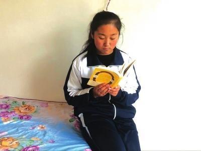 """泾川一中学生路春兰入围正能量""""中国好少年"""""""