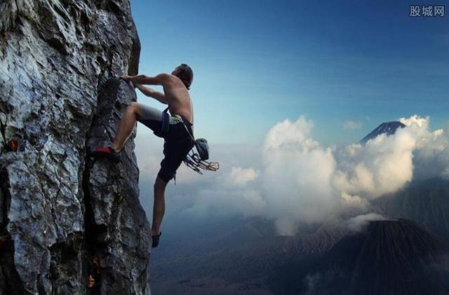 外媒赞中国蜘蛛人在中国哪里可以攀岩的呢?