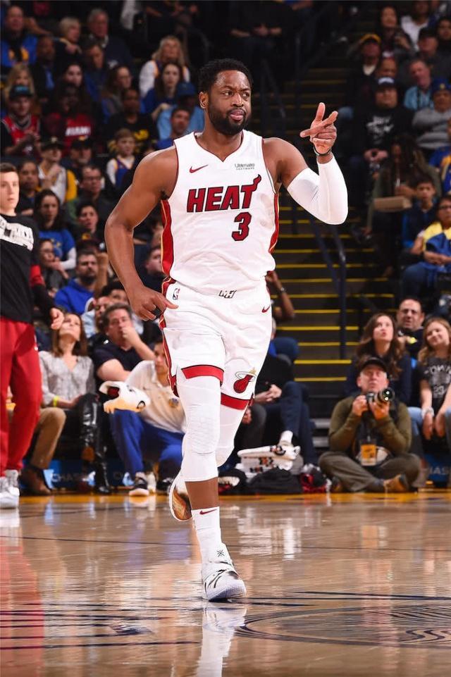 NBA:我腮帮!要么不出手,一出手就是全场唯一关键球!
