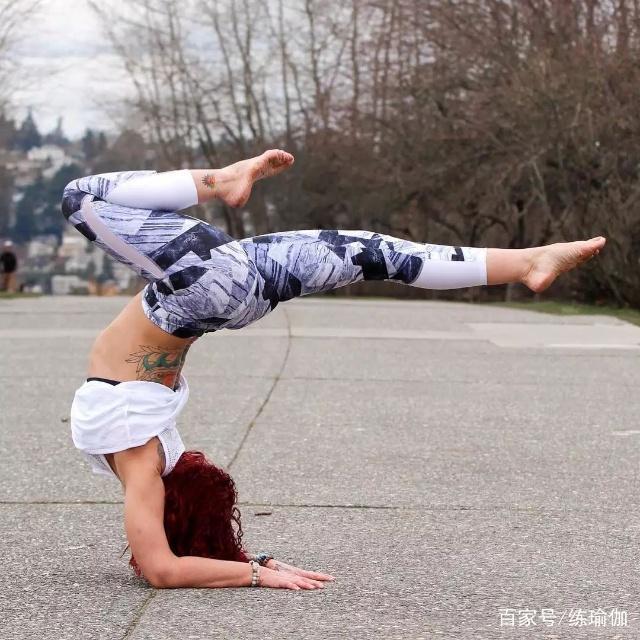 怎么练才能又美又健康,适合女孩练的瑜伽体式,一点不输跑步