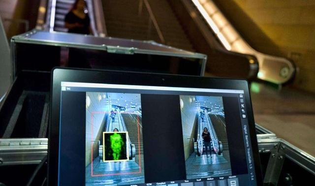 行李通过安检机时,工作人员通过屏幕能看到什么?涨知识了