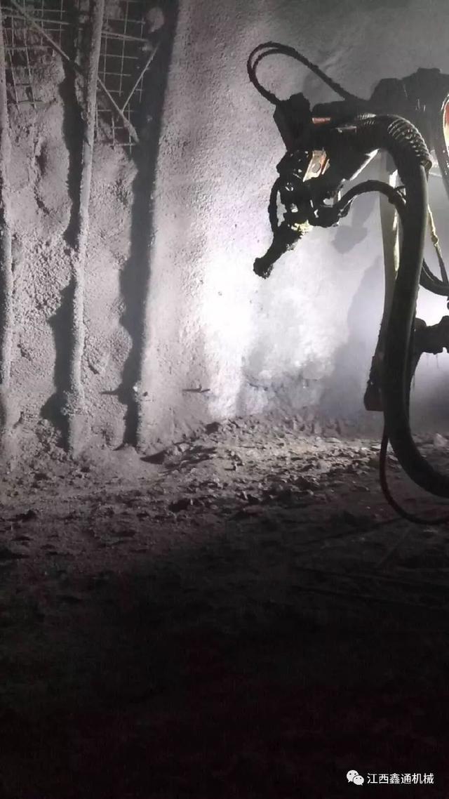 鑫通湿喷机械手高效服务于世界最高海拔高速公路隧道
