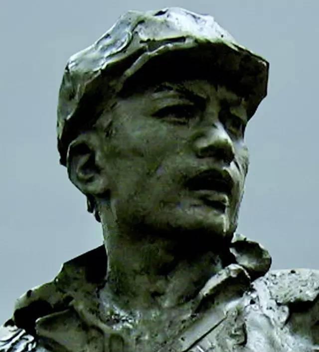 抗战英雄铸铜人物肖像雕塑