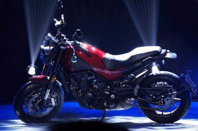 钱江的这款中等排量复古摩托车,确定不进来看看,不会感到后悔的