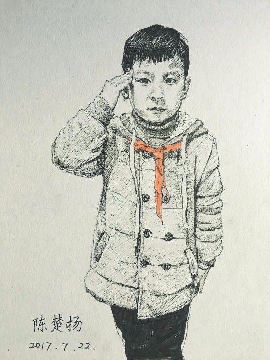 组图:画出温度!女老师为全班45名孩子画肖像