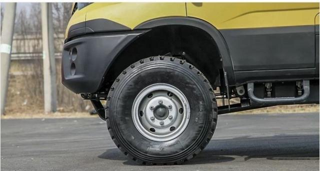 能让SUV秒怂的4X4新星越野房车 开上它绝对是把妹撩汉的首选