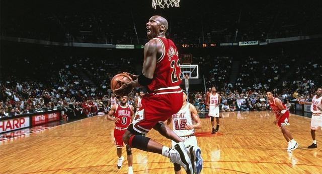 艾弗森:真正影响到世界的篮球巨星仅有4位,我差远了