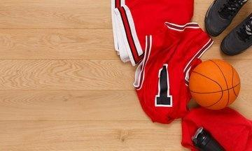 u=2205969761,122466804&fm=173&app=49&f=JPEG?w=360&h=216&s=8D0A727C52CE515D8E972FAA0300A01A - NBA球員的裝備究竟有多特殊,籃球價值3000多元,