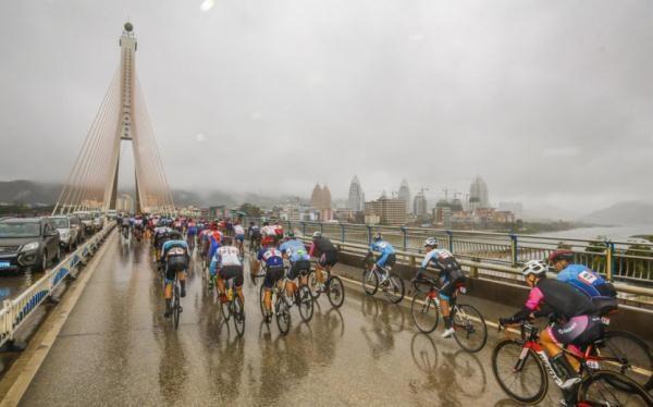 """开启""""体育+旅游""""新起点 中国自行车联赛云南·景洪总决赛开赛-领骑网"""