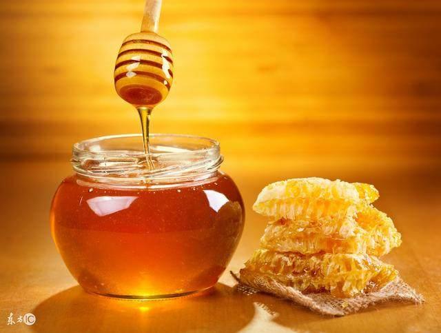 来看如何白醋加蜂蜜,3天瘦了15斤,而且还不节