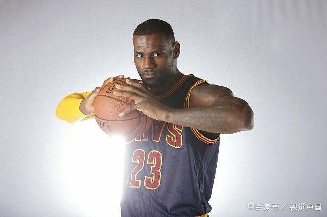 NBA十四日篮网VS骑士,篮网综合实力强大,骑士屡战屡败士气低迷