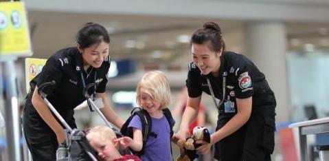 机场安检员的工资待遇如何?