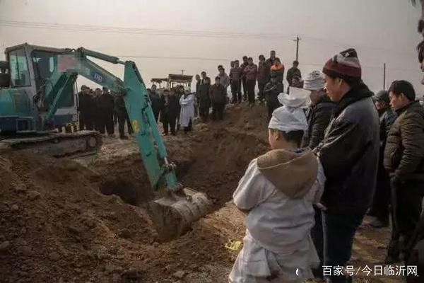 快手辉哥辉嫂车祸死亡事件详情原委 辉哥辉嫂为什么会双双殒命西藏
