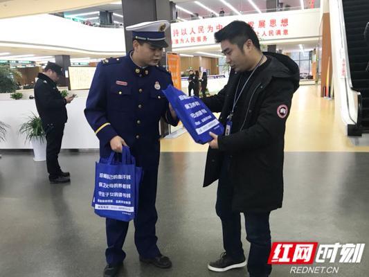 """宁乡消防给广大群众送去消防安全知识""""套餐"""""""