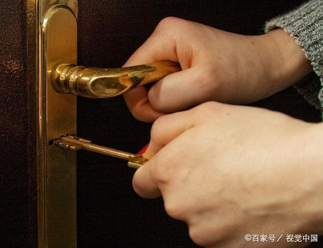 开锁技术是一门神奇的技艺,为何相同的钥匙才能打开同一把锁呢?(图4)