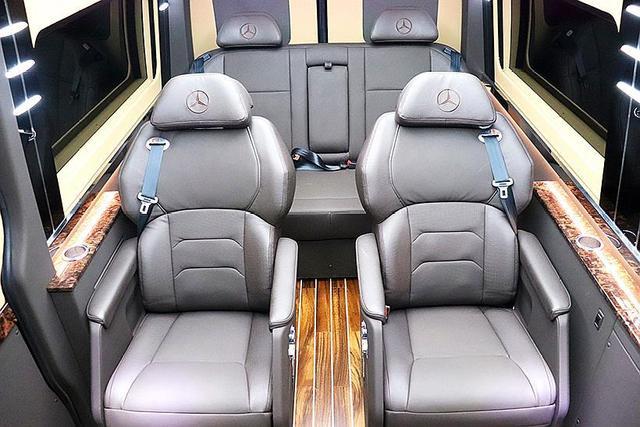19款进口奔驰斯宾特商务车,过年回家最拉风的体验!