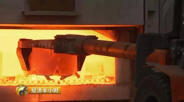 像此雕刻么父亲型的涡轮盘微少半用在军事设备上,国际上壹直邑避免避免将相像的消费技术让给中国,想从其它国度购置此雕刻么的涡轮盘邑很难。