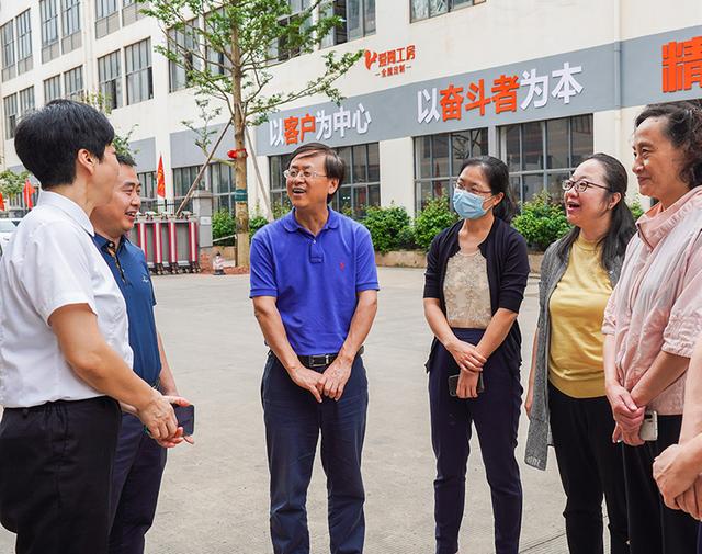 中國輕工業聯合會副秘書長於學軍等一行到廣西考察調研