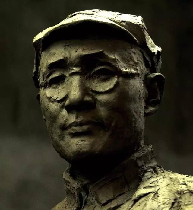 刘伯承铸铜人物肖像雕塑