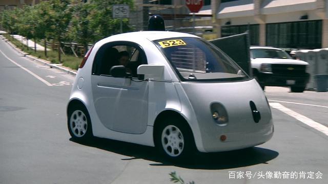 V2V和V2X:你知道自动驾驶汽车如何应对紧急车辆吗?