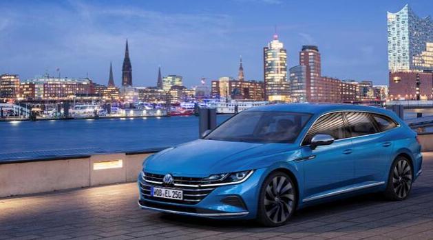 海外版大众CC汽车性能版发售,市场价大概约合人民币49.5万元