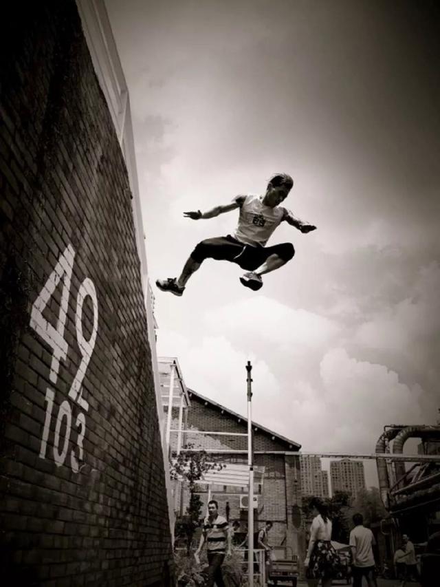 一个恐高症患者的勇者游戏-跑酷街