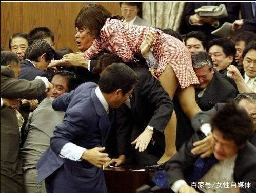 移民?日本开始挺不住了
