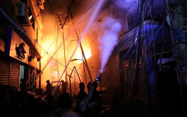 孟加拉国首都发生火灾 造成41人死亡