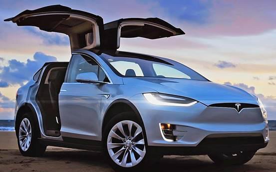 相比燃油类汽车,新能源汽车在哪些方面为驾驶者提高了舒适性?