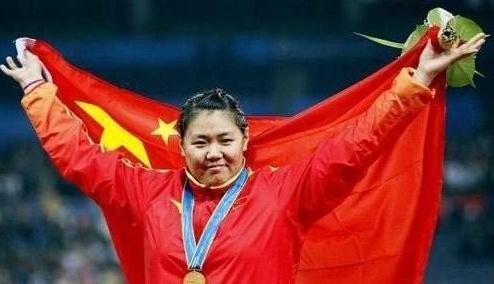 迟到的奥运奖牌!中国退役名将拿到迟到了6年的奖牌,网友皆点赞