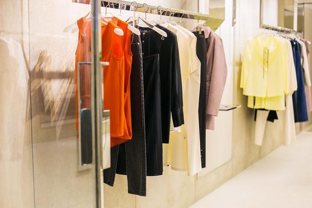 LUCIEN_WANG品牌风格秉承设计师严谨而诚恳的个性,赋予每一件的设计自由的想象力