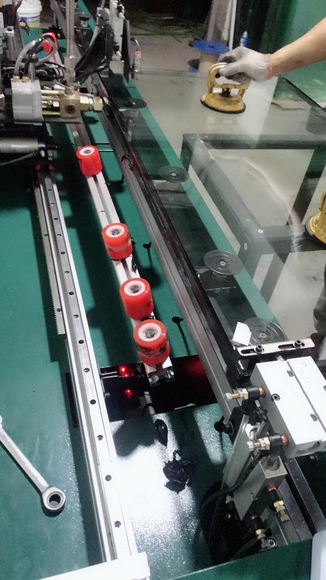 中空玻璃简述和中空玻璃打胶机