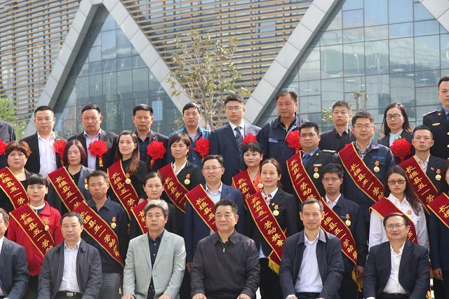 长垣县委办副主任、信访局局长贾江波荣获长垣
