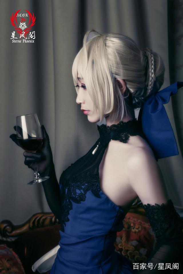 「fgo」阿尔托莉雅・潘德拉贡 设定集蓝礼服