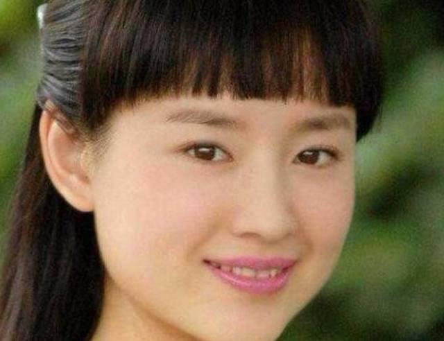女星們剪了齊劉海之後,你覺得好看嗎?